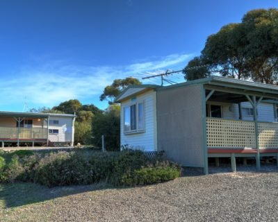 Budget accommodation sleeps up to 4 people open plan room on Kingscote Kangaroo Island